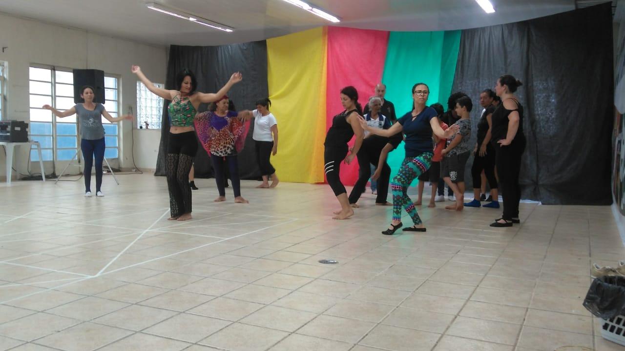 Dia 18/12 tem espetáculo com formandos da Oficina Brincante de Dança-teatro