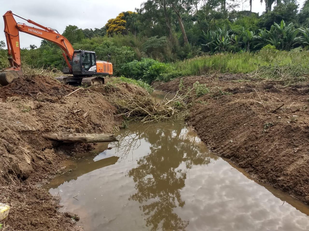 Os trabalhos de prevenção de enchentes e alagamentos não param