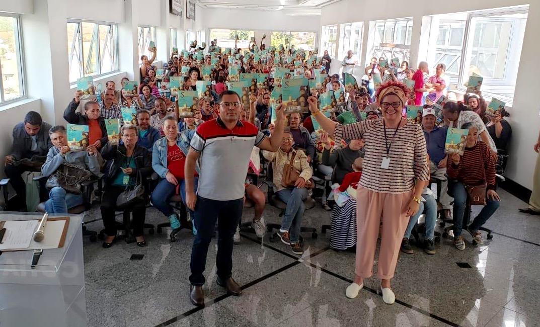 """""""Quebrando o Silêncio"""" é tema de Reunião Socioeducativa nos CRAS's de Cotia"""