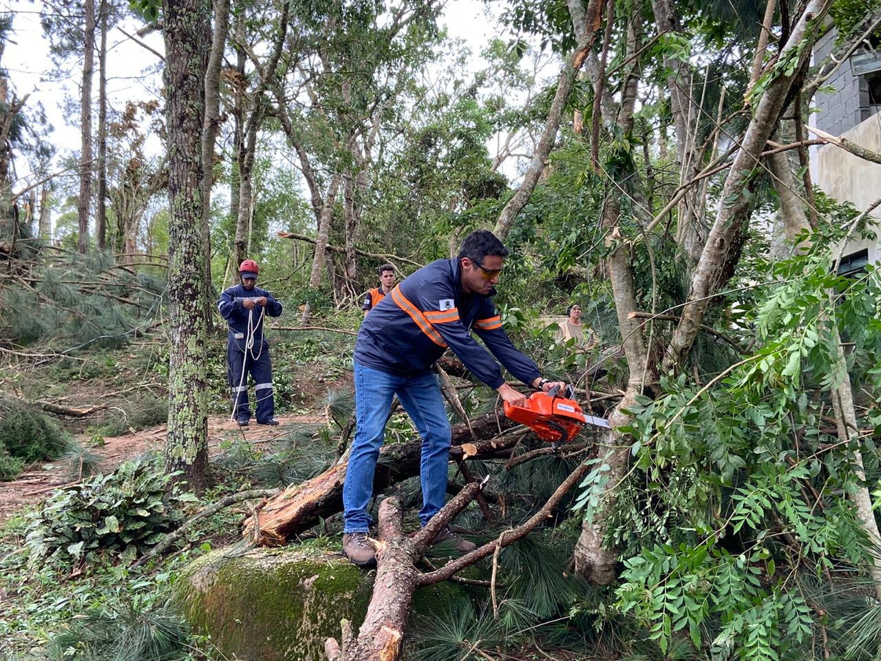 Defesa Civil recebeu mais de 50 chamados de emergência, na tarde desta quarta-feira (27/11)