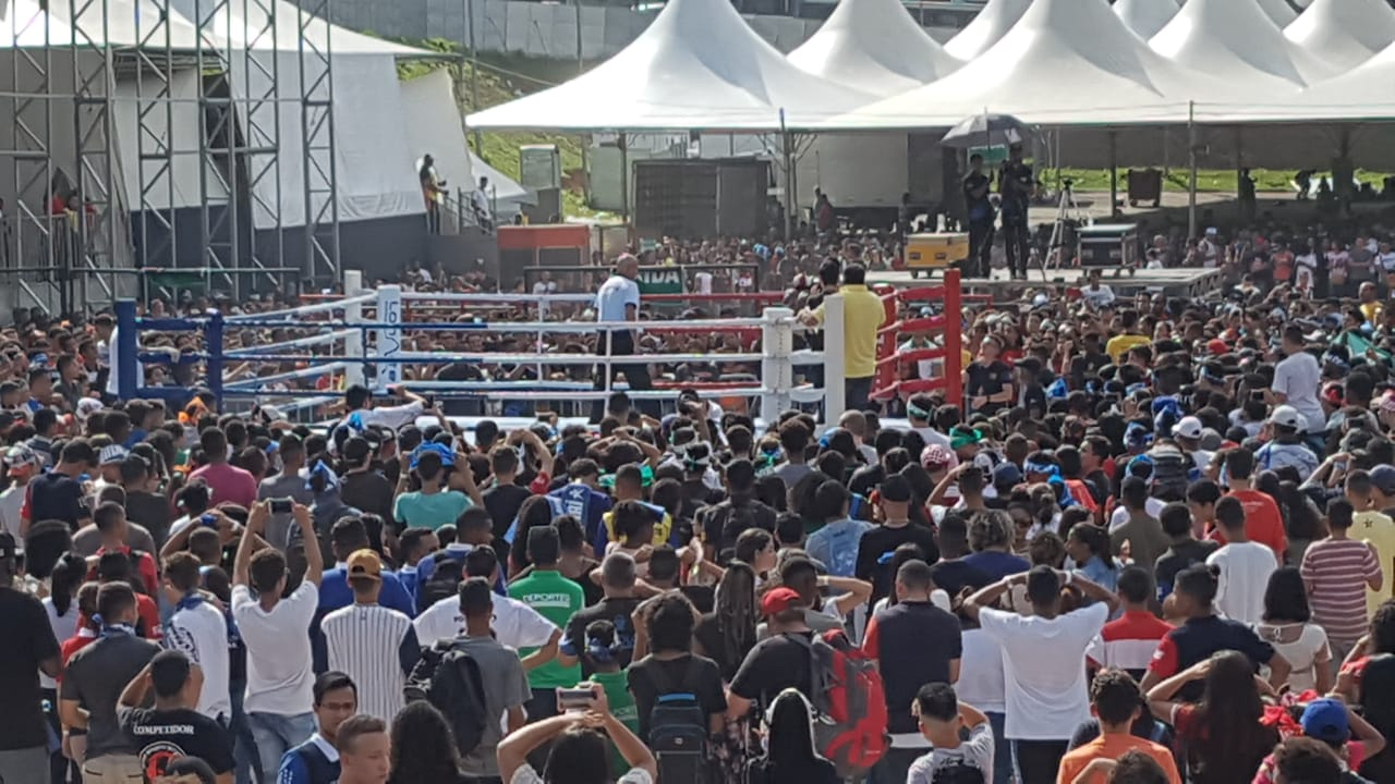 """Quase 30 mil jovens participaram do """"Nocaute às Drogas"""", em Cotia"""