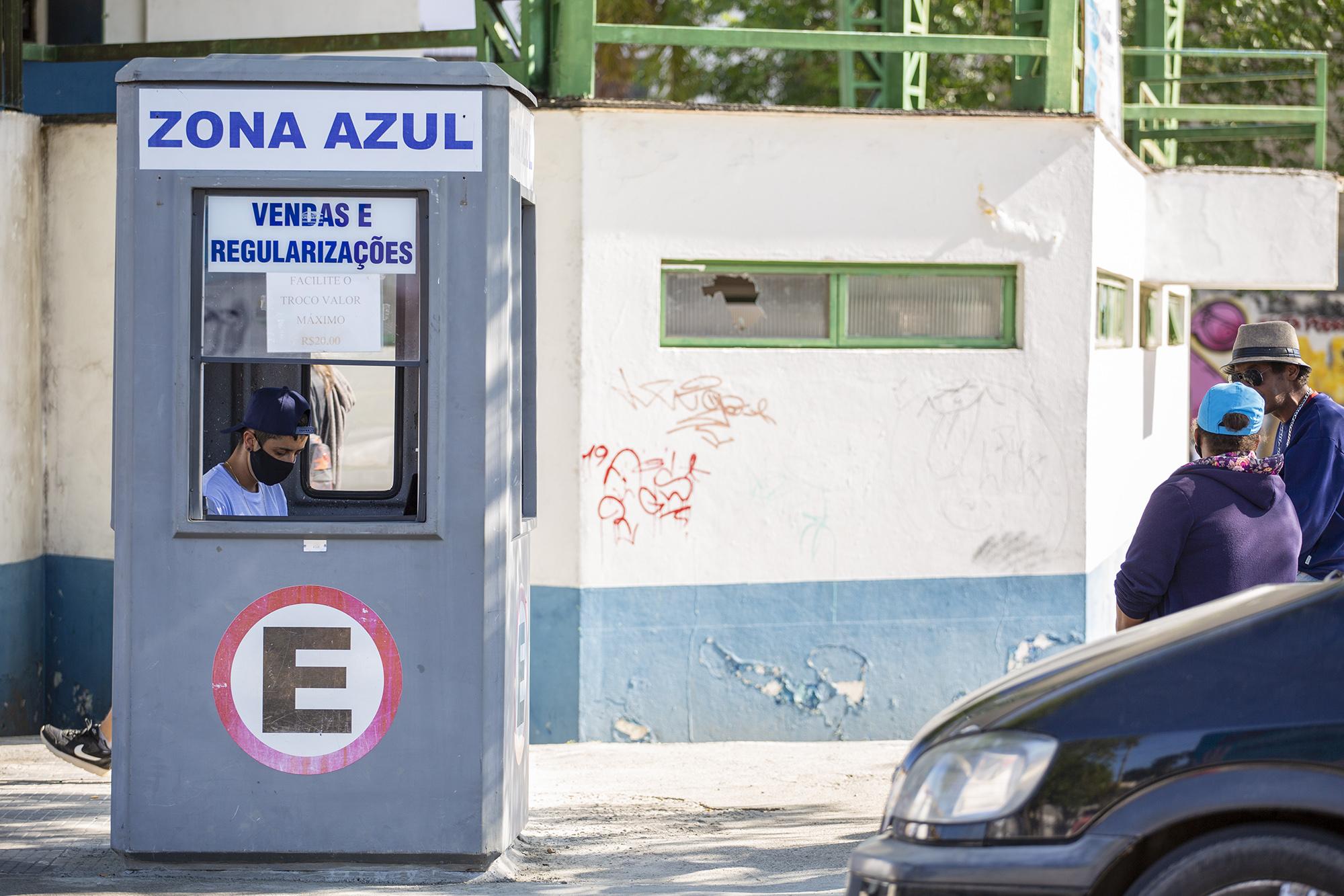 Settrans instala cabine de pagamento e regularização de zona azul em Caucaia do Alto