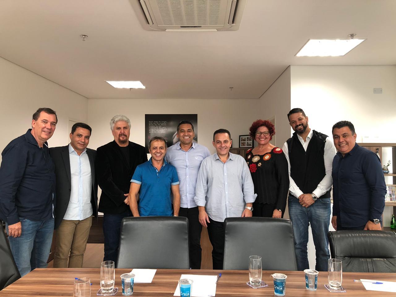 Prefeito Rogério Franco dá posse a novos secretários municipais