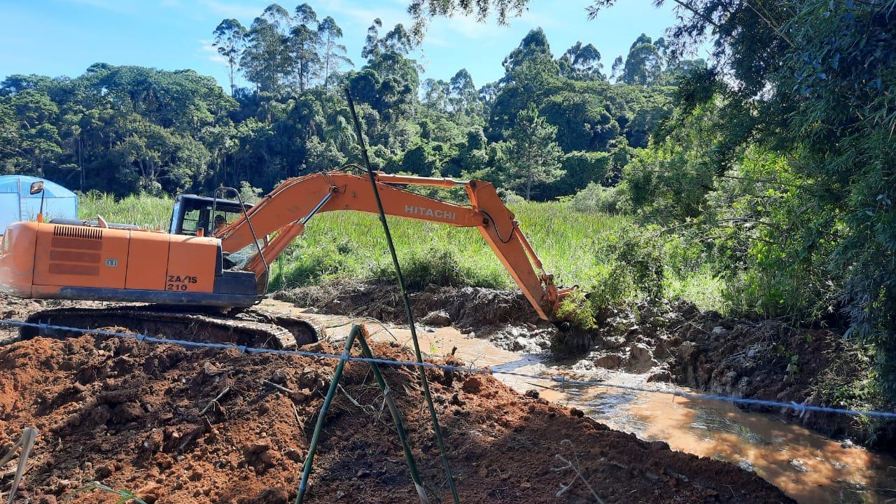 Prefeitura realiza desobstrução, limpeza, manutenção e ampliação de galerias de água