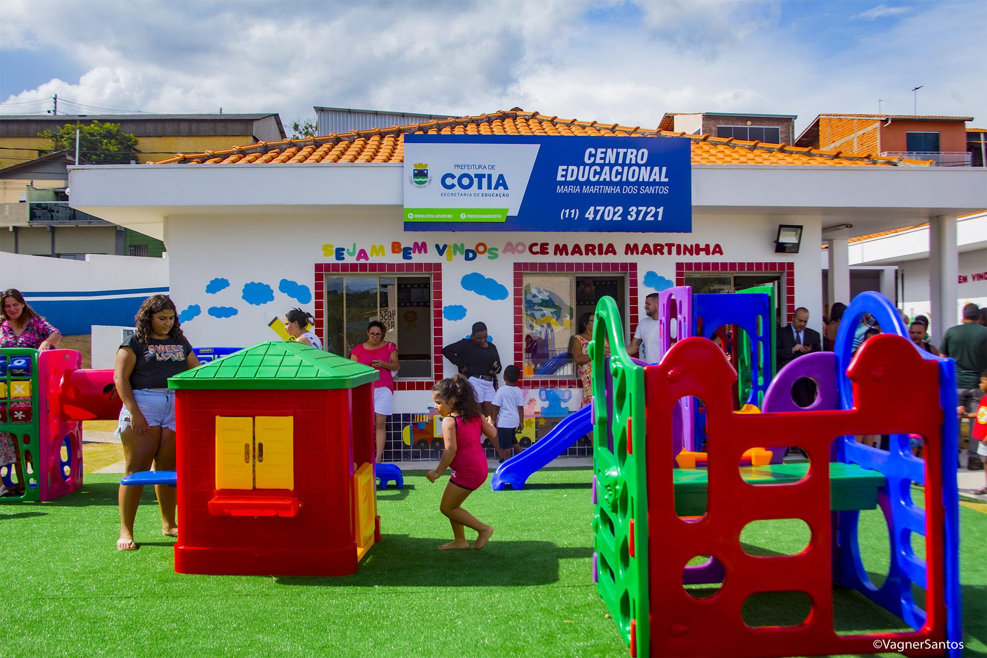 Prefeitura de Cotia entrega duas novas creches que funcionam 12 horas por dia